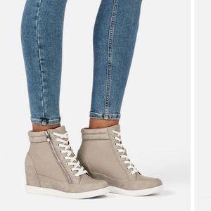 NWB JustFab Grey & White Wedged Fashion Sneakers